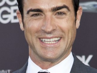 "Justin Theroux - ""Rock of Ages"" World Premiere thumb"