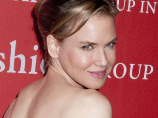 Renee Zellweger - 29th Annual Fashion Group International Night of Stars