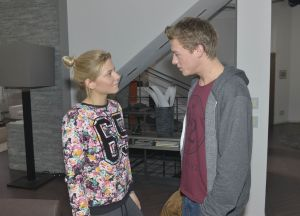 Sunny (Valentina Pahde) und Vince (Vincent Krüger)