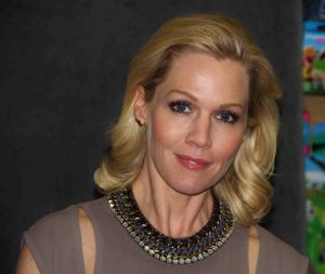 """Jennie Garth's """"Deep Thoughts From a Hollywood Blonde"""" Book Signing"""