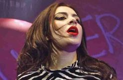 Charli XCX: Album beinahe fertig