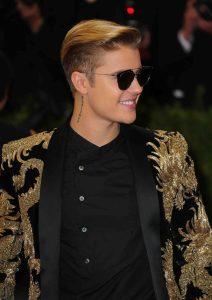Justin Bieber verschenkt Chart-Plazierung - Musik