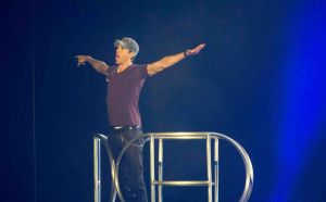 Enrique Iglesias in Concert at the Barclaycard Center in Madrid - November 15, 2014