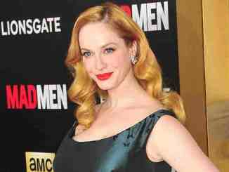 Christina Hendricks: Make-up ohne Spiegel - Promi Klatsch und Tratsch