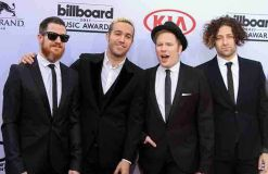 """Fall Out Boy"" auf Tour mit ""Against The Current"""