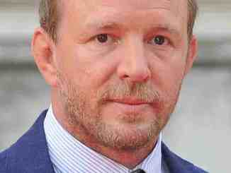 "Guy Ritchie: ""King Arthur"" kommt erst 2017 - Kino News"