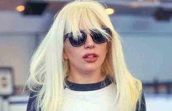 Lady GaGa: Pferd im Wohnzimmer