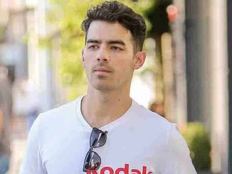 Joe Jonas Sighted in Los Angeles on October 26, 2015