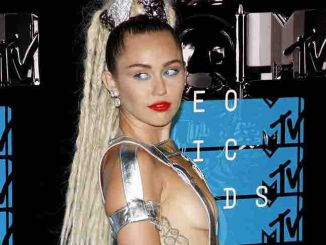 Miley Cyrus - 2015 MTV Video Music Awards - Arrivals