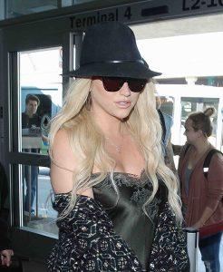 Kesha sagt gegen Dr. Luke aus - Promi Klatsch und Tratsch