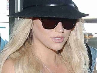 Kesha Sighted Arriving at LAX on April 15, 2015