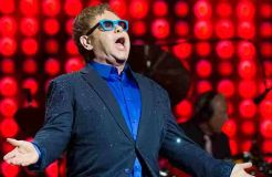 "Elton John im Studio mit dem ""Red Hot Chili Peppers""?"