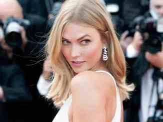 Karlie Kloss steht zu Taylor Swift - Promi Klatsch und Tratsch