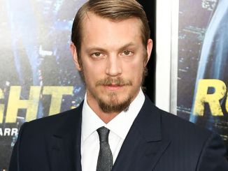 "Joel Kinnaman - ""Run All Night"" World Premiere"