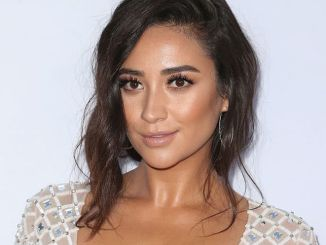 """Shay Mitchell - """"Mother's Day"""" World Premiere"""