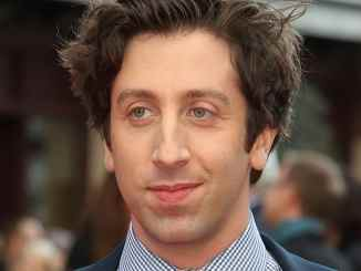 """Big Bang Theory"": Simon Helberg über ""Howards"" Vaterfreuden - TV News"