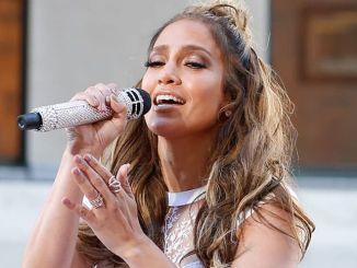 Billboard Latin Music Awards 2017: Jennifer Lopez tritt auf - Musik