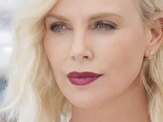 Charlize Theron verführt Frauen - Kino News