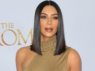 """Kim Kardashian West - """"The Promise"""" Los Angeles Premiere - Arrivals - TCL Chinese Theatre, 6925 Hollywood Boulevard - 2"""