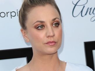 Kaley Cuoco - 6th Annual Stand Up for Pits Comedy Benefit - 2