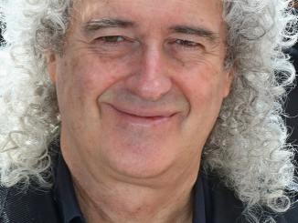 """Queen"": Brian May und die Outfits - Kino News"