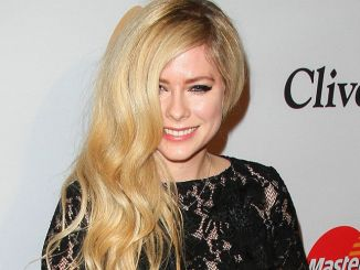 Avril Lavigne - 2016 Clive Davis Pre-Grammy Gala and Salute to Industry Icons - 2