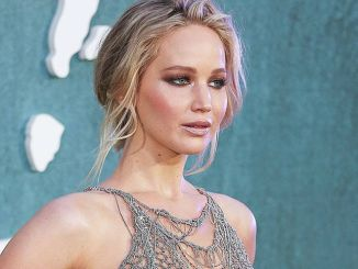 "Jennifer Lawrence - ""Mother!"" UK Premiere - Arrivals"