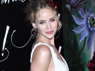 """Jennifer Lawrence - """"Mother!"""" New York City Premiere - 2"""