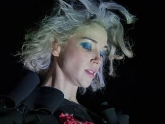 St. Vincent: Das verspricht sie für ihre Shows - Musik News