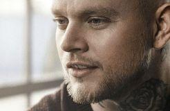 """Matt Gresham kämpft sich durch """"Rising Up"""""""