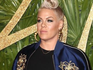 Pink singt Nationalhymne beim Super Bowl - Musik News