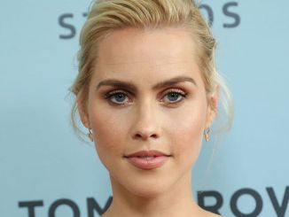 "Claire Holt - NBC's ""Aquarius"" TV Series Season 2 Premiere"