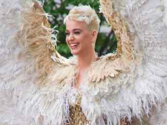 Katy Perry hat wieder zu Gott gefunden - Promi Klatsch und Tratsch