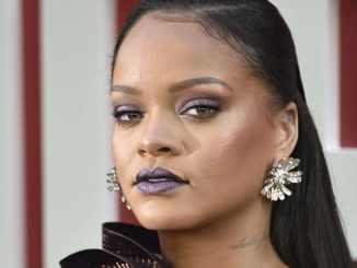 Rihanna lässt negative Kommentare abprallen - Promi Klatsch und Tratsch
