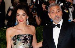 George Clooney versteigert sein Motorrad