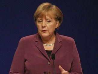 """Angela Merkel und die 101-jährige Oma: """"Sind Sie Frau Macron?"""" - Promi Klatsch und Tratsch"""