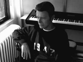 David Bowie-App: Gary Oldman führt durchs Archiv - Promi Klatsch und Tratsch