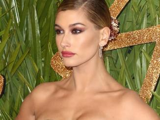 "Hailey Bieber verdreht die Augen: ""Boys and their toys"" - Promi Klatsch und Tratsch"