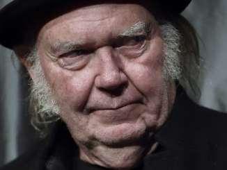 Neil Young kündigt neues Buch an - Musik News
