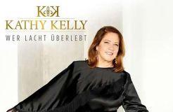 """Kathy Kelly über ihr Album """"Wer lacht überlebt"""": """"Humor hielt mich über Wasser"""""""
