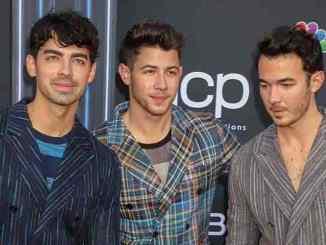 """Jonas Brothers"" widmen bestimmte Songs ihren Frauen - Musik"