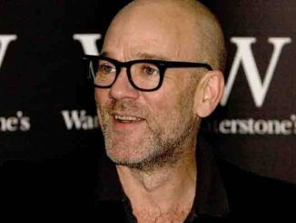 """Michael Stipe Signs Copies of His Book """"Hello"""" at Waterstone's Bookshop in London on August 29, 2008"""