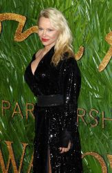 Pamela Anderson - The Fashion Awards 2017