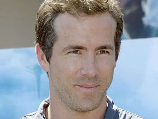 """Ryan Reynolds - """"Green Lantern"""" Father's Day Special Screening for the Troops"""