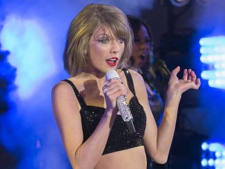 "Taylor Swift - ""New Year's Rockin' Eve 2015"" with Taylor Swift in Concert in Times Square"