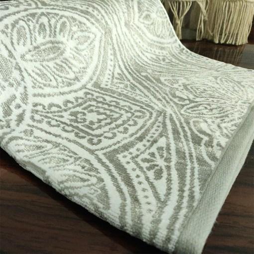 Avioni 100% Cotton Premium & Luxury Soft Linen Bath Towels in White Silver Finish