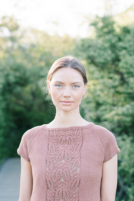Imogen Tee in Tern from Madder Anthology by Carrie Bostick Hodge. Photocopyright of Carrie Bostick Hodge.