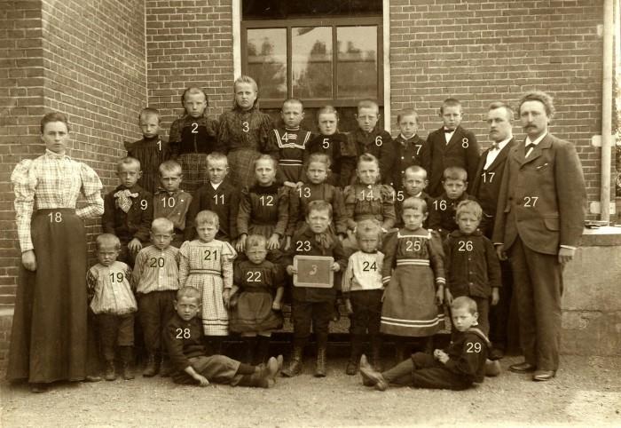 3e klas van de Openbare Lagere School, die in 1928