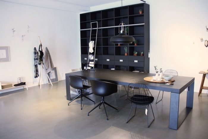 First or Second woonwinkel inclusief villa in Alkmaar