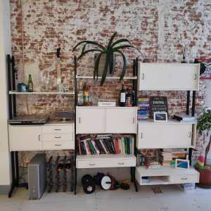 Witte vintage wand systeem